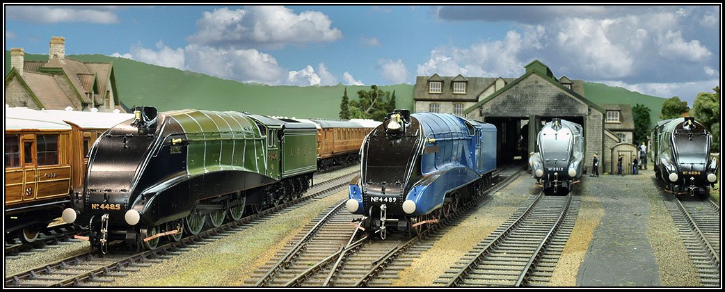 Pullman coaches, locomotives and model trains for train sets